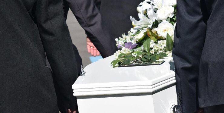 Når begravelser skal individualiseres, er det ofte med et stykke musik eller en sang, der ikke er en salme.