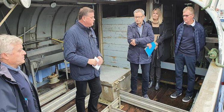 Fiskeriminister, Mogens Jensen (S) og Danmarks Fiskeriforening indgik søndag en aftale om overvågning af fiskefangst i Kattegat. Foto: Rasmus Krøll.