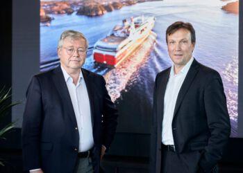 Bestyrelsesformand Peter Frølich og konsttitueret direktør Arne Roland hos Fjord Line.