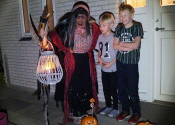 Halloween 8 678x493