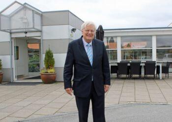 Bjarne Hastrup fra Ældre Sagen under et besøg på Havbakken i Tornby. Foto (arkiv): Kurt Prentow.