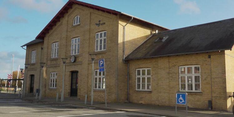 Stationsbygningen i Sindal. Foto: Per Frank Pauslen.