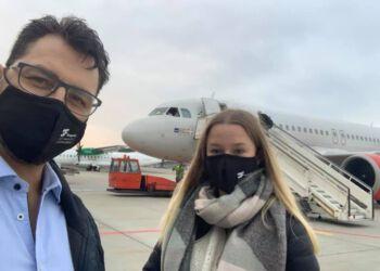 Frank Tronborg fra 3F Skagerak og praktikanten Olivia Samuel på vej til København.