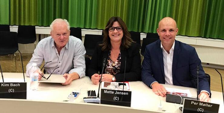 Den konservative byrådsgruppe med Mette Jensen mellem Kim Bach og Per Møller. Foto: Arkiv.