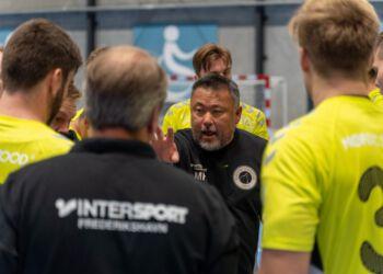 Cheftræner Morten Frandsen Holmen kan igen træne med hele Elitesport Vendsyssels 1. divisionstrup. Foto: Kristian Hedegaard.