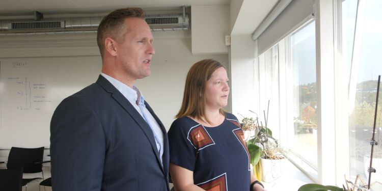 Venstres medlemmer Claus Mørkbak Højrup og Lone Olsen fra Sundhed-, Ældre- og Handicapudvalget.